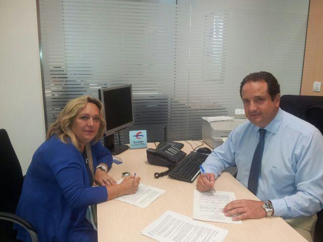 """La fundación bancaria IBERCAJA colabora con el """"Taller de sublimación"""" de ASPACE"""