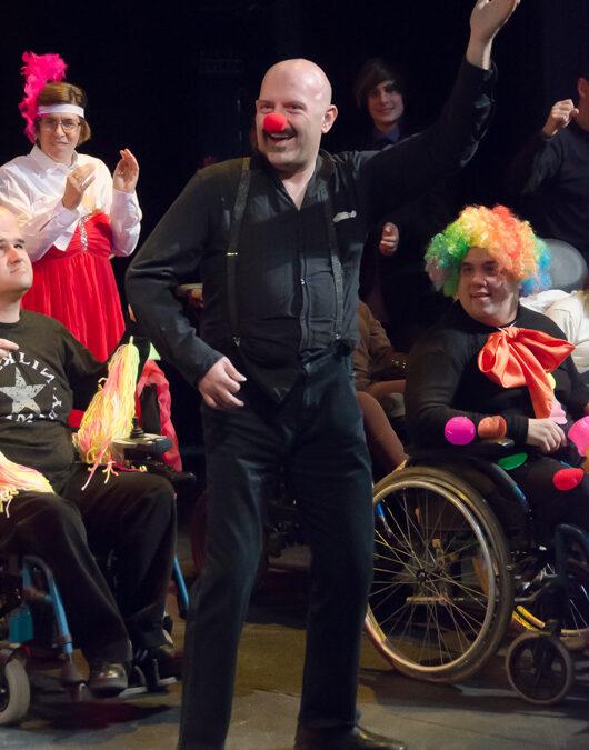 El grupo de Teatro ASPACE llega a cientos de escolares